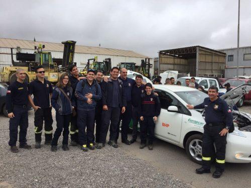 Bomberos se capacitó para atender emergencias vehiculares con automóviles eléctricos
