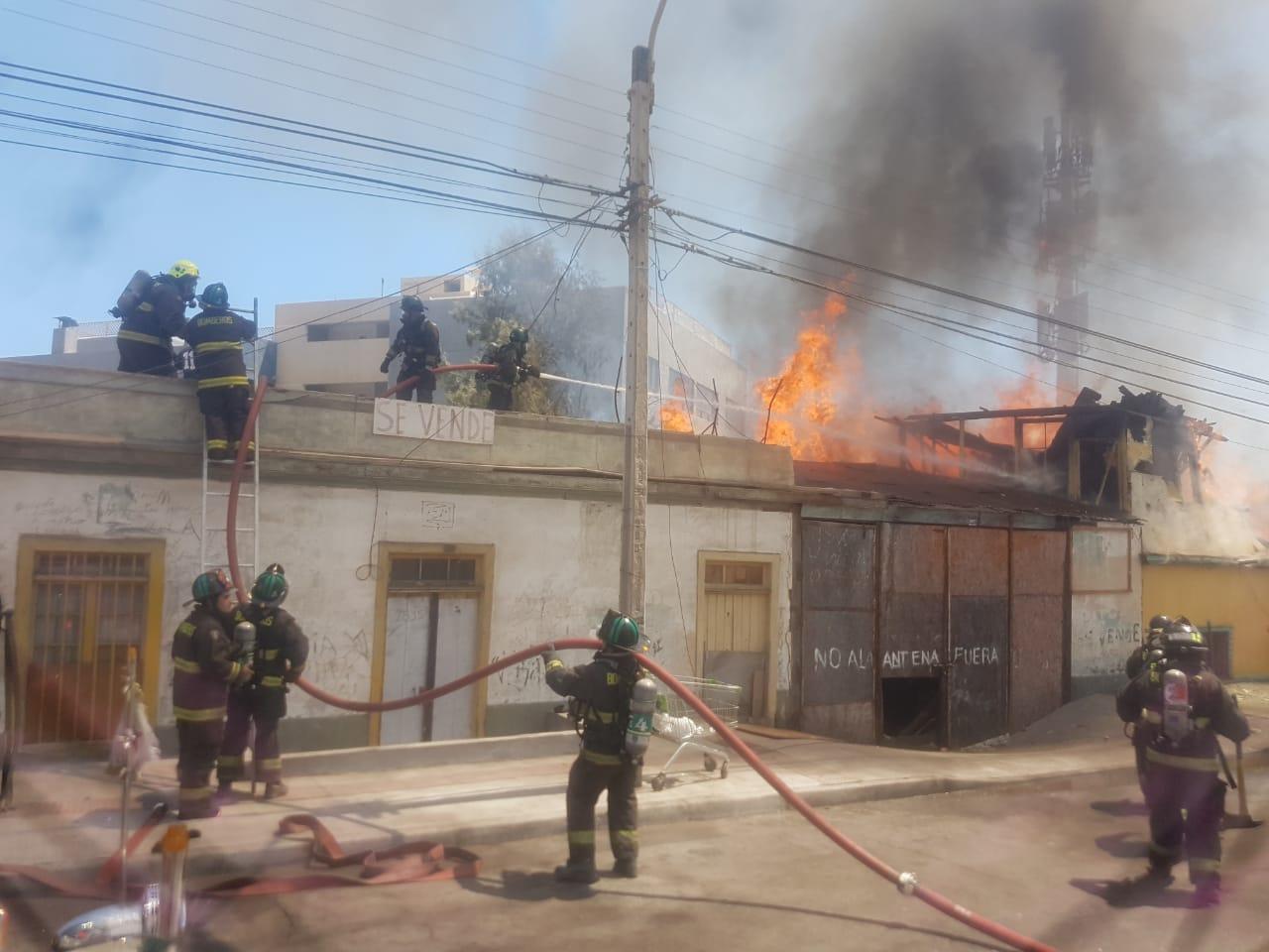 Incendio en centro alto dejó 12 personas damnificadas