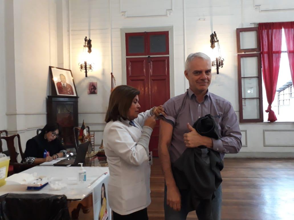 Bomberos participaron en Campaña de Vacunación junto a Seremi de Salud